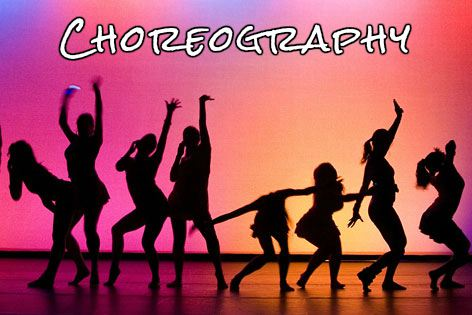 Women's silhouettes in front of a bright background - choreography